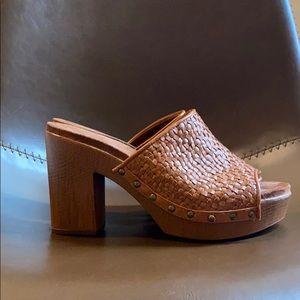 NWOT  wooden heels with memory foam